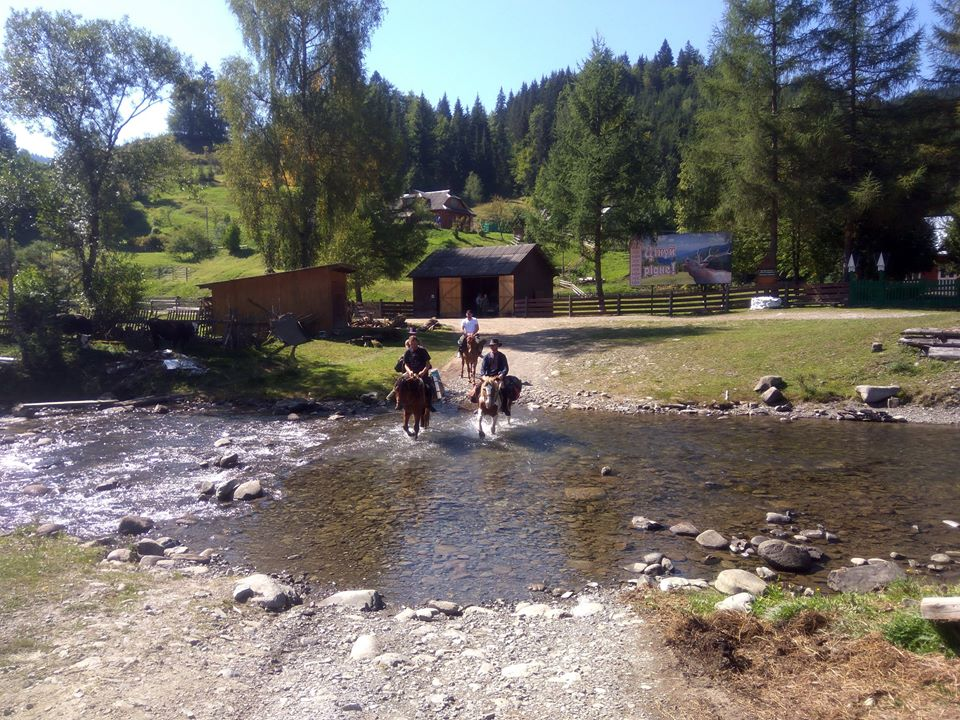 horse tour to pip ivan start from shybene village