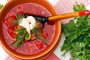 Red-beet-soup-with-Beans-and-Mushrooms