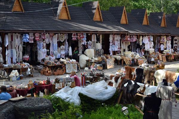 yaremche souvenir market