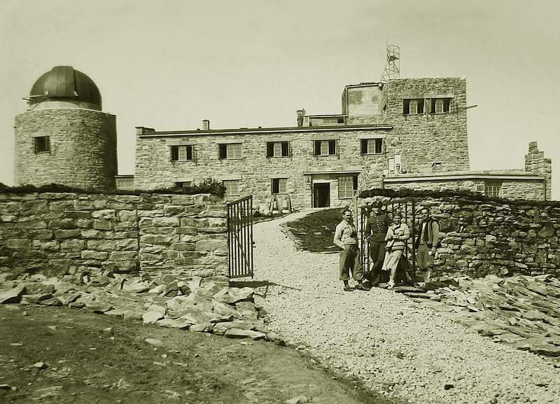 Observatorium auf dem Berg Pip Iwan